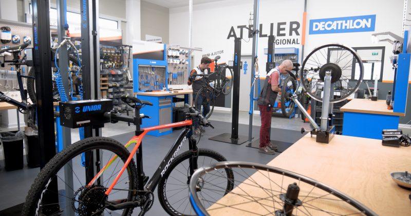 Decathlon a deschis Atelierul Regional de reparat echipamente sportive